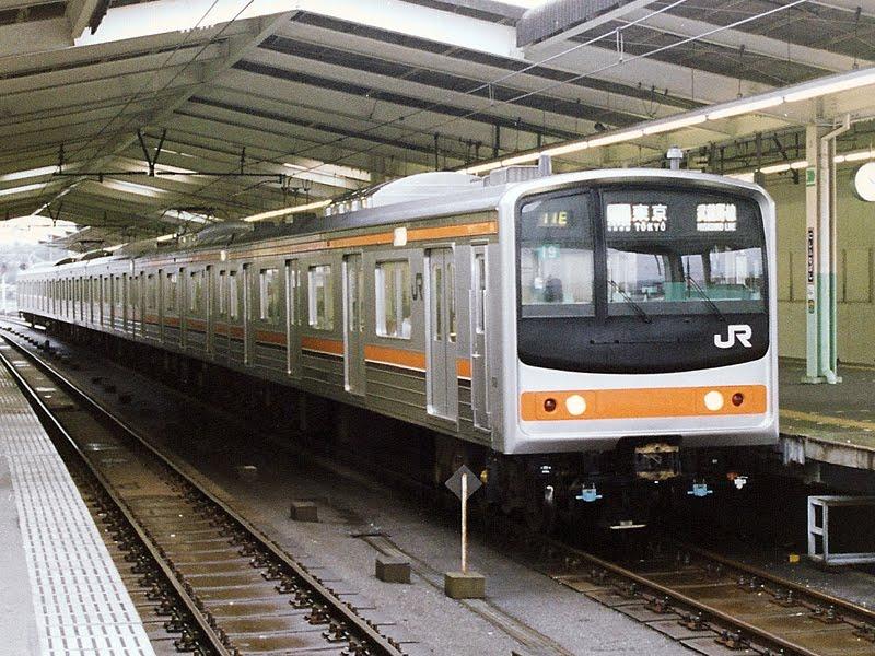 205系(西船橋・1991)武蔵野線205系は京葉線用と同じ顔で登場。た... 武蔵野線 なつか