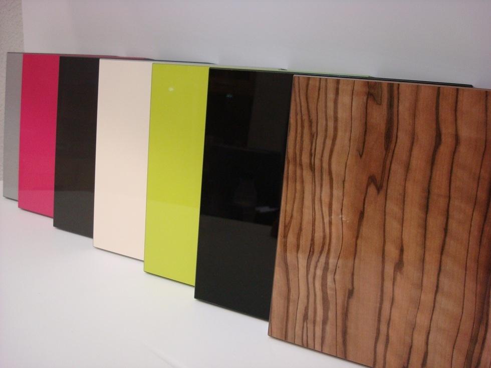 Dise o y decoraci n de cocinas es formica en alto brillo - Precio tablero dm ...