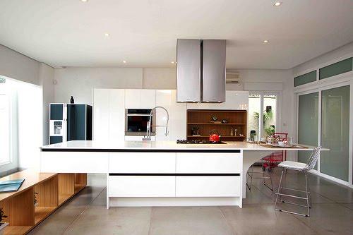 Dise o y decoraci n de cocinas es formica en alto brillo - Muebles lacados en blanco brillo ...