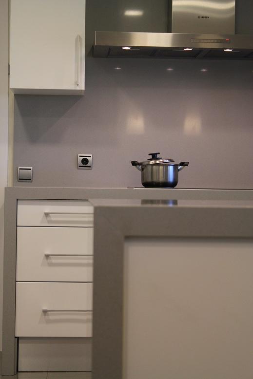 Dise o y decoraci n de cocinas a estas alturas a que - Sobre encimera cocina ...