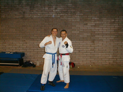 Note my one striped blue belt! Note also the shoes. I was still nervous about my toes after the injury.