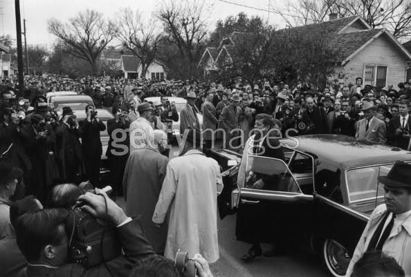 ANOTHER AGENCY LIE EXPOSED: JFK used a HARDTOP car at Rayburn's funeral