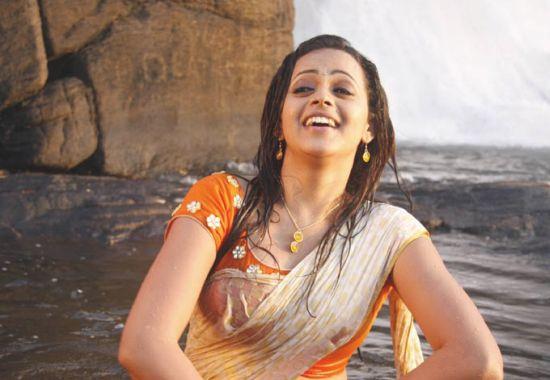 hot actress photos malayalam actress bhavana bathing photos