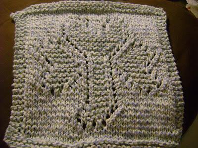 Free Knitting Pattern: Lion® Cotton Spool-Knit Shamrock Hot Pad