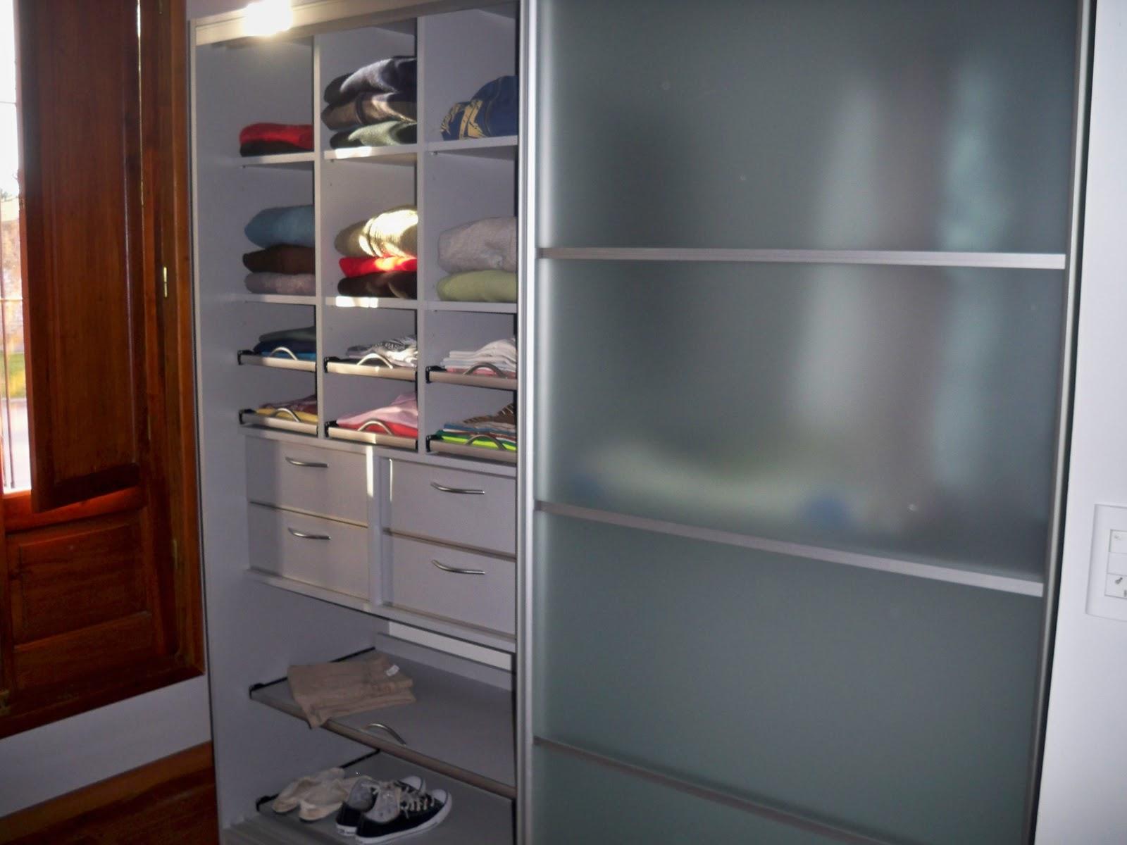 Aktual muebles for Muebles de cocina con puertas de cristal