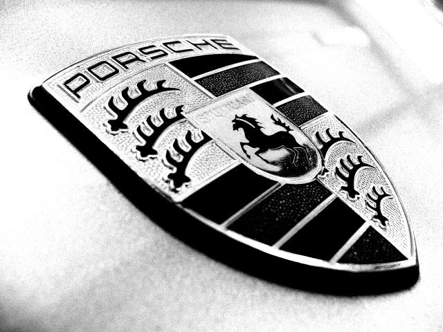 Porsche logo wallpaper