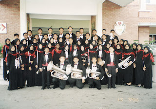 Sakti Band 2006: wif all new instrument in front of SSP's nice lobby