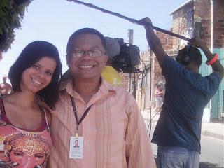 A produtora Marcela Souza e o professor Geraldo Seara.