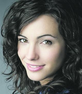 Maria Cotiello - Hay alguien ahí - Los protegidos