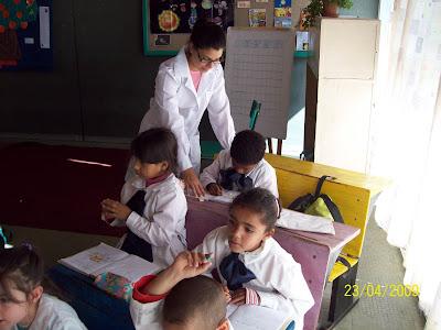 Jornada de trabajo de los maestros es de ocho horas y no cinco como en el pasado.