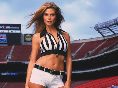 What will happen when Heidi Klum, a supermodel with her sexy cloths, ...