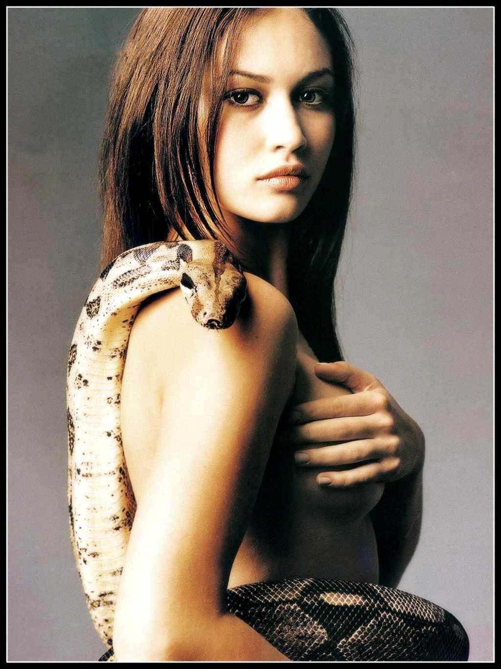 http://4.bp.blogspot.com/_9Sqb6Vhazxg/R4M3cgJQ93I/AAAAAAAABlU/zqwm1gx9xB0/s1600/Olga%2BKurylenko.jpg