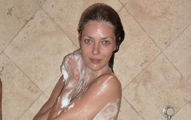 Adrianne Curry Nude Shower Photo (14).jpg