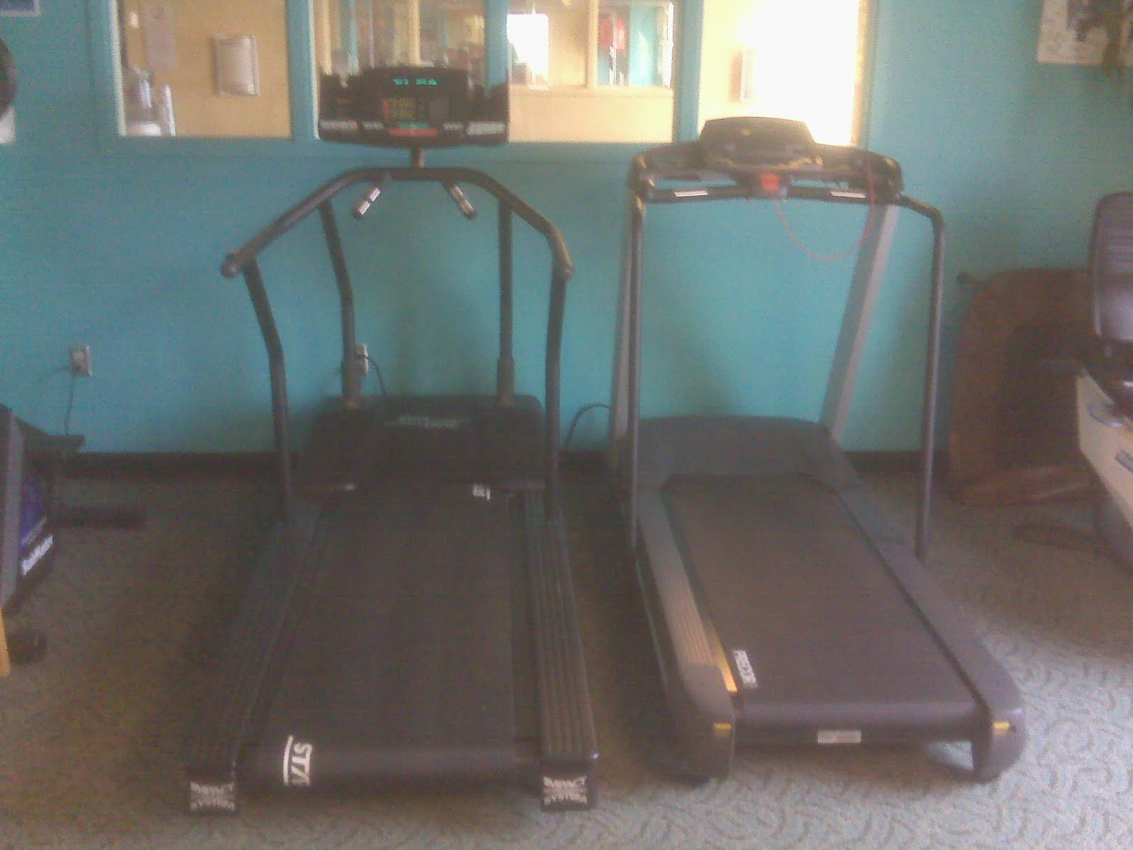 http://4.bp.blogspot.com/_9SunvfZ207Q/TDP-hOyC37I/AAAAAAAAAZA/1LKfnosqi7M/s1600/Treadmill.bmp