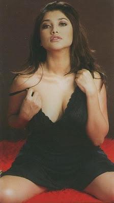 Sarah Azhari Hot Indonesian Actress
