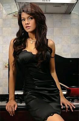 Farah Quinn Seksi telanjang