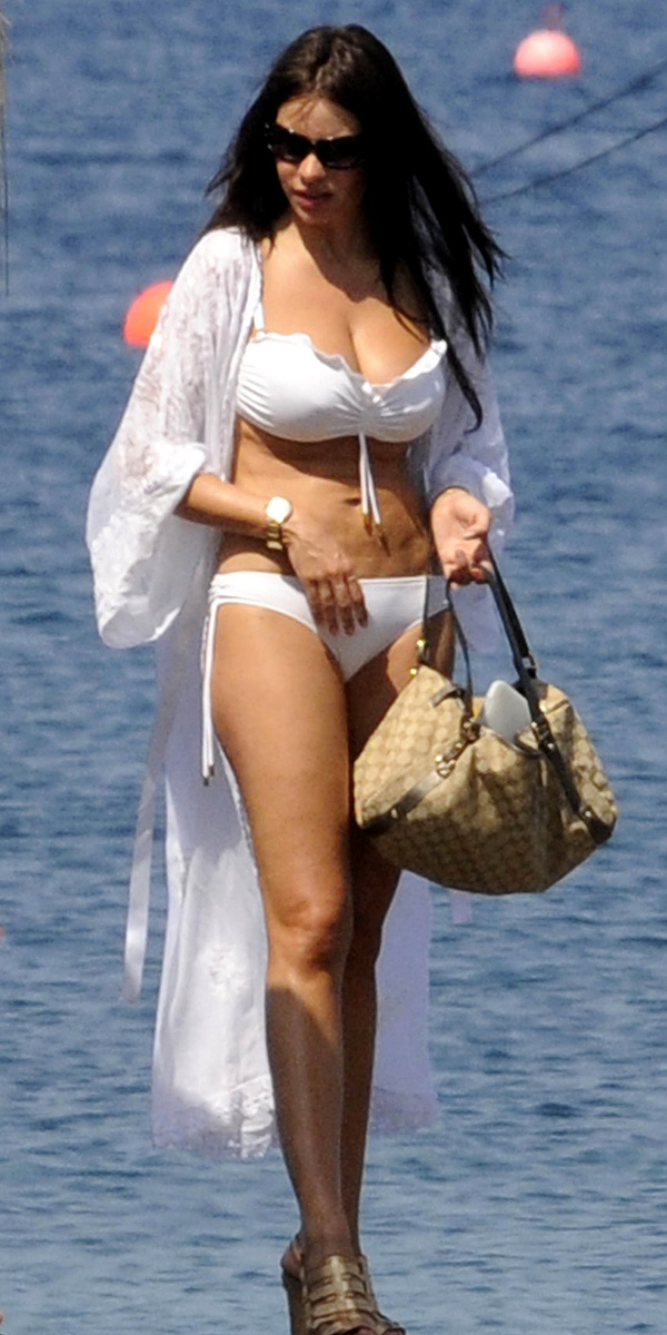 Sofia Vergara White Bikini Photos