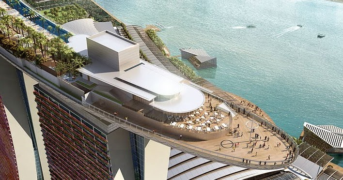 World 39 s largest outdoor pool at 55th storey opens in singapore for Biggest outdoor pool
