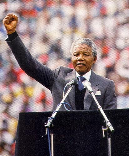 WORLD FAMOUS PEOPLE: Nelson Mandela