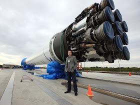 falcon9 musk Gambar Roket Roket Besar di Dunia