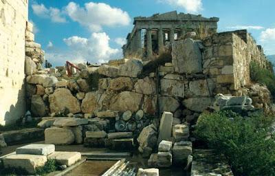 mycenaean athensaksumite empire civilization disappeared 560x358 10 Peradaban Dunia Yang Lenyap dengan Misterius