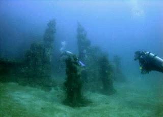 foto candi bawah laut