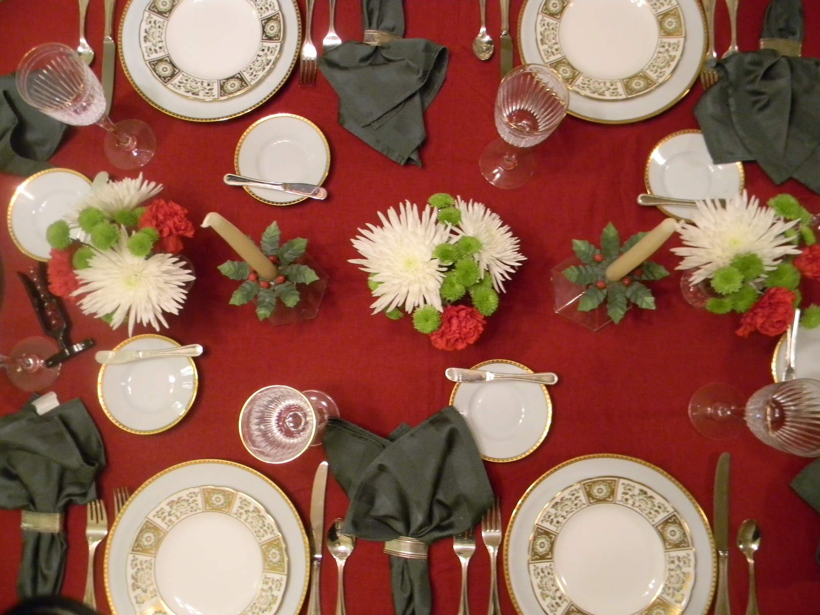 Toile Tale: Christmas Dinner at Amys