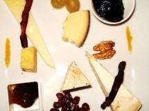 Mosaico di formaggi e dolcezze di Sicilia