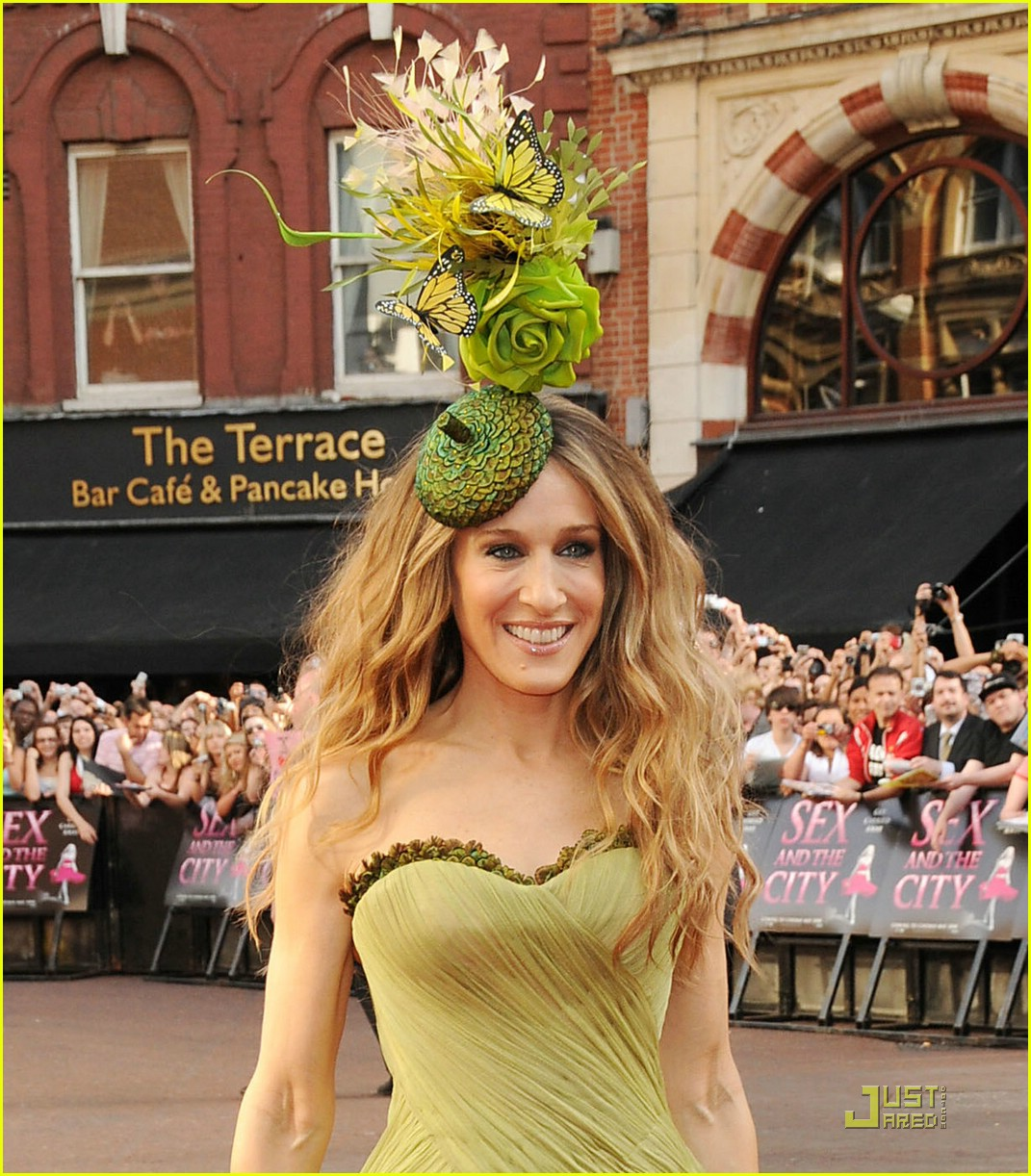 http://4.bp.blogspot.com/_9ZYLdB0mVjU/TAgs9ZIk5eI/AAAAAAAADr8/TsA4aVZ3ClY/s1600/sarah-jessica-parker-sex-and-the-city-premiere-02.jpg