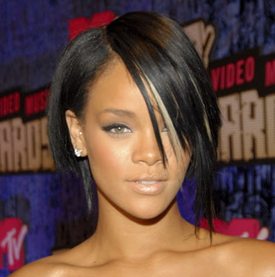 Rihanna's fabulous new haircut that suits her perfect heart shaped face.