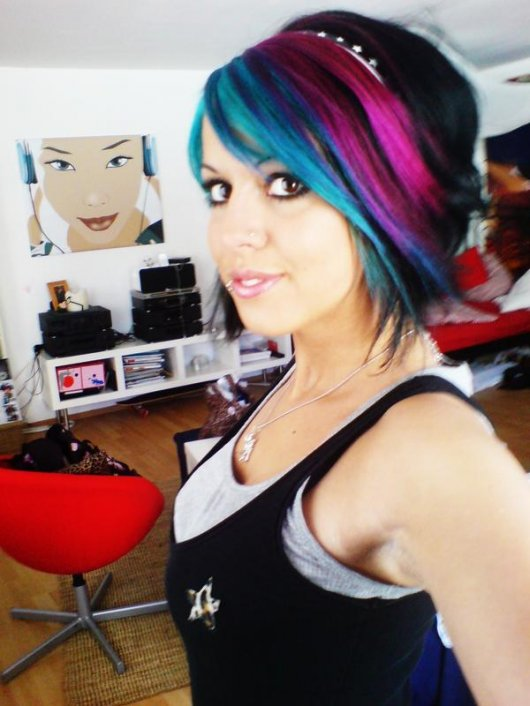 Blue & Pink Colored Emo Hairstyle. A slightly bouffant emo hair with side