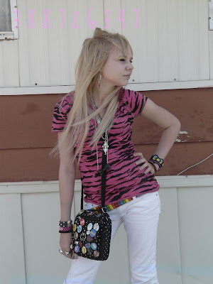 Long Blonde Emo Hairstyle For Emo Girls 2010