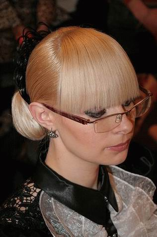 2009-2010 Trendy Sleek Hairstyle for women