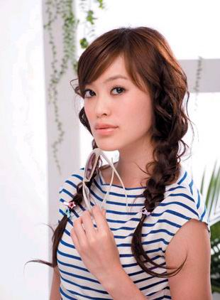 lovely asian summer hair styles 2009 -cute casual summer haircut with two big braids