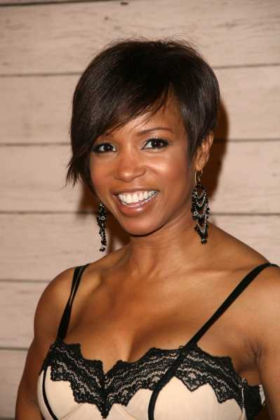 cute short hairstyles for black women. I love this cute short very