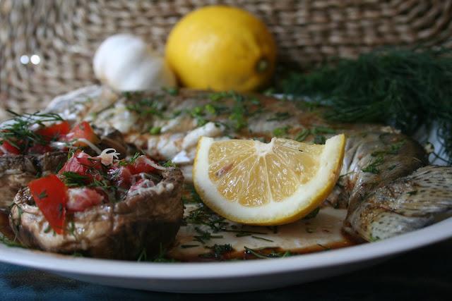 Articole culinare : pastrav la gratar cu ciuprerci umlpute