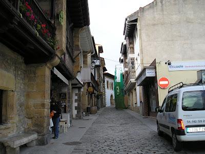 Entorno rural 2 etapa de la peregrinac n a santo toribio for Oficina de turismo de comillas