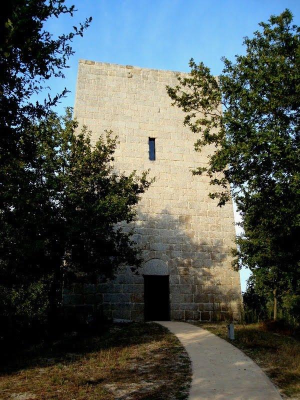 [Torre+de+Vilar1+-+Lousada+-+Foto+Fmars.jpg]