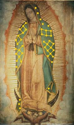 Cuadrículas parciales sobre el manto de la Virgen.