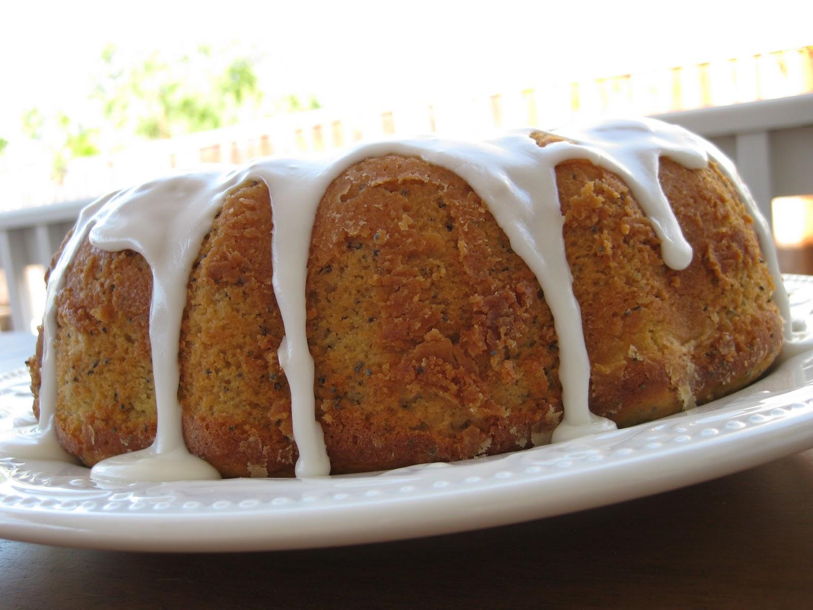 Lemon+Poppyseed+Bundt+Cake+1.jpg