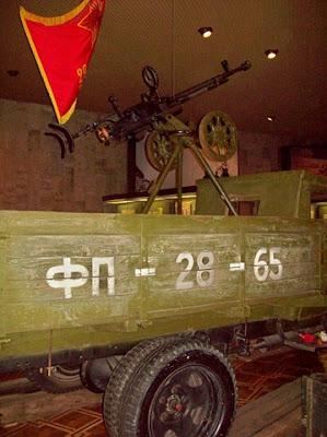 Зенитный пулемет на кузове грузовика