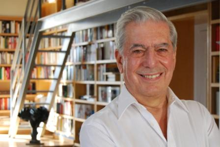 RESUMEN UN VISITANTE - Mario Vargas Llosa