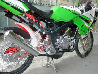Modifikasi+Kawasaki+Ninja+150R Modifikasi Motor Ninja 150 R Hijau Krom Firing SportBike