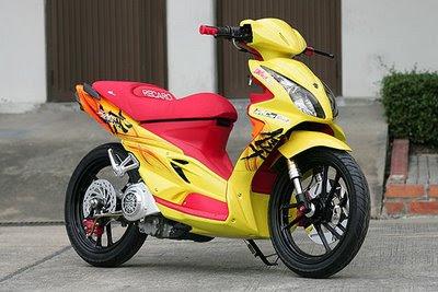 Tips trik cara motor matik selalu irit bahan bakar tidak boros.