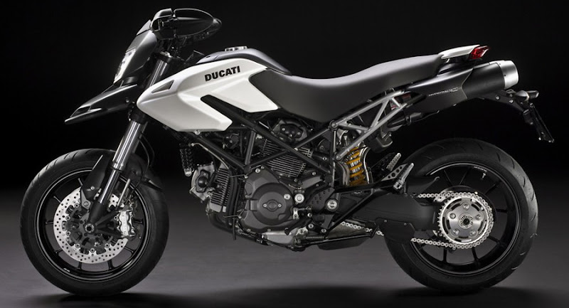 2010 Ducati Hypermotard 796 Desktop Wallpaper