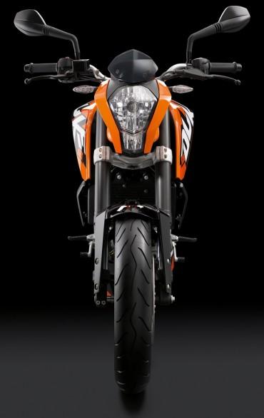 2011 KTM 125 Duke Front View