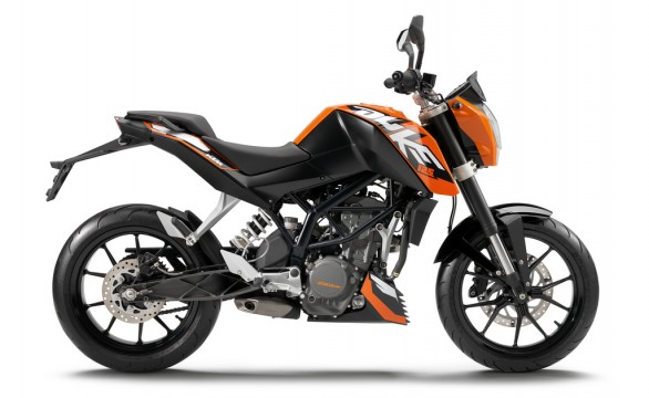 Ktm 125 Duke Stunt. 2011 KTM 125 Duke Photo
