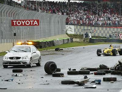 GP do Brasil em Formula 1 em Interlagos de 2003, Acidente, - loucosporf-1.blogspot.com