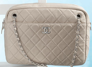 5a1ff2c84ab7 Vintage Chanel quilted bag camera case in lambskin with leather-interlaced  chain