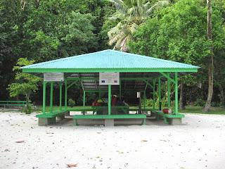 Ngchus Beach Shelter, Palau